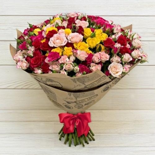 Разноцветная кустовая роза микс