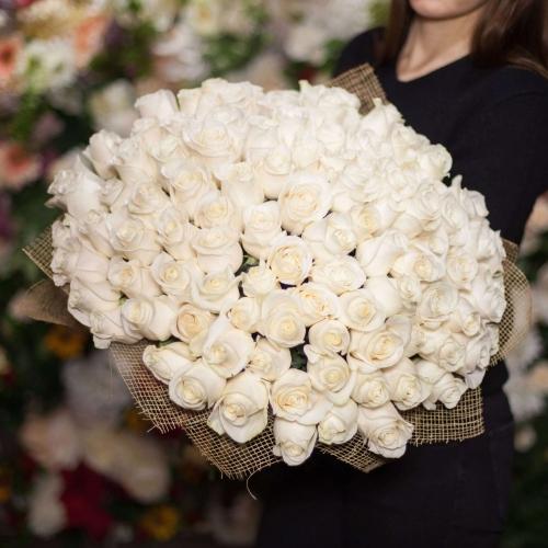 Белая роза Vendella