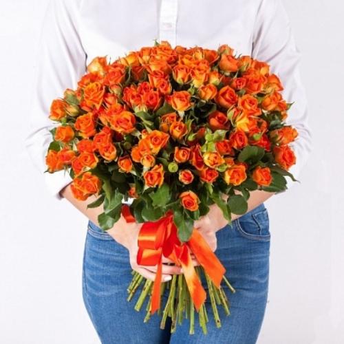 Оранжевая кустовая роза